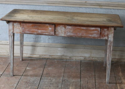 Item no6, Table, gustavian provincial