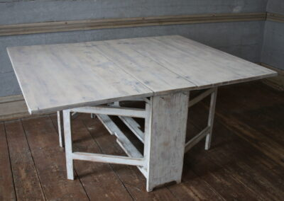 Item no5, Drop leaf table