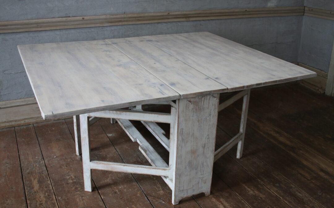 Item no5, Drop leaf table